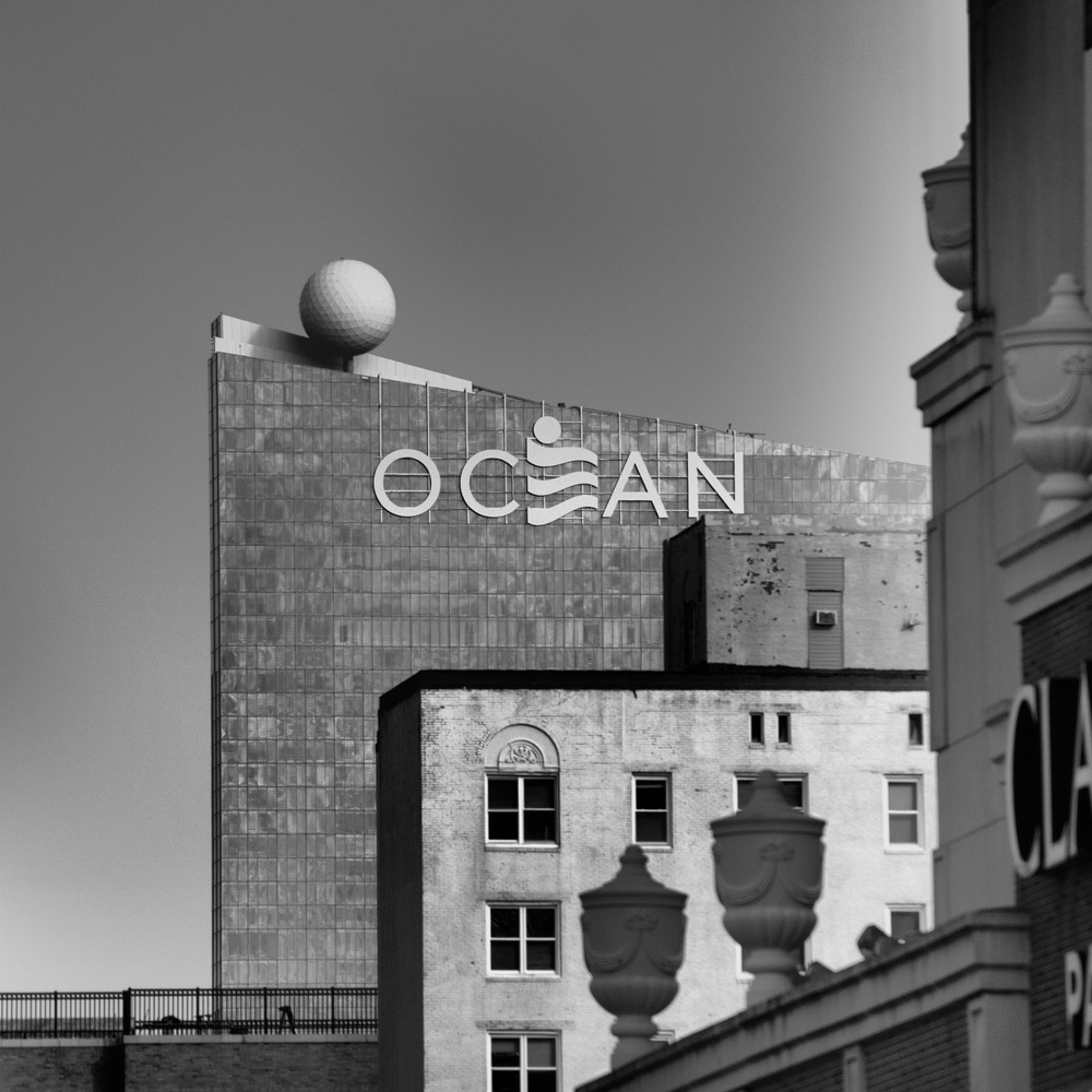 BW - Ocean Resorts by Andy Borysowski