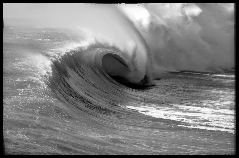 Empty Wave by Yves Van den Meerssche