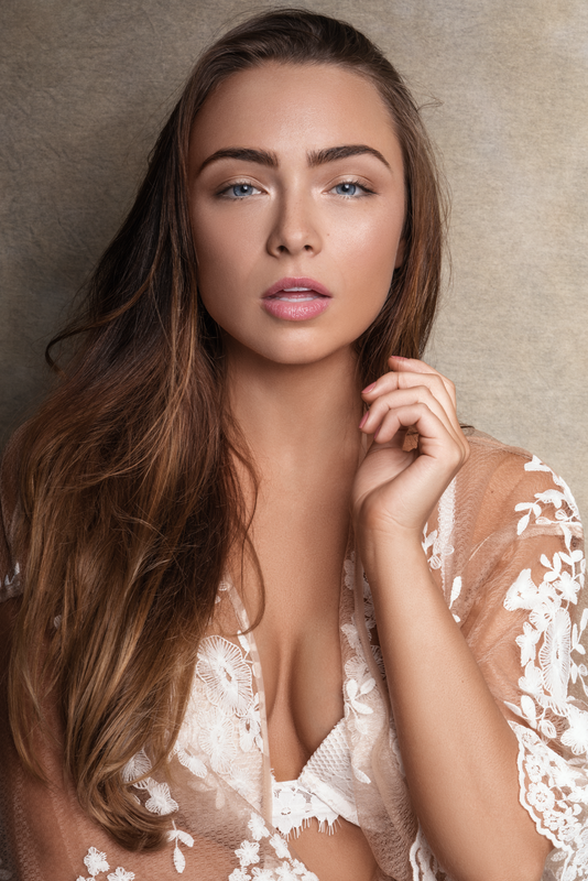Caitlin  by Miguel Quiles