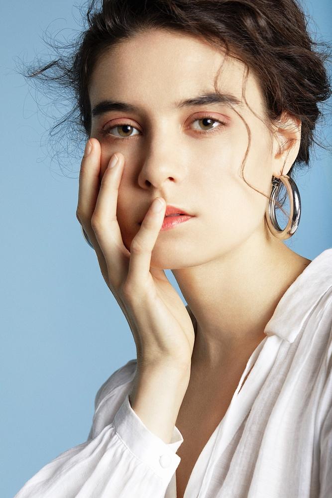 Alexa Dafonte in the Studio by Ekaterina Soubbotina