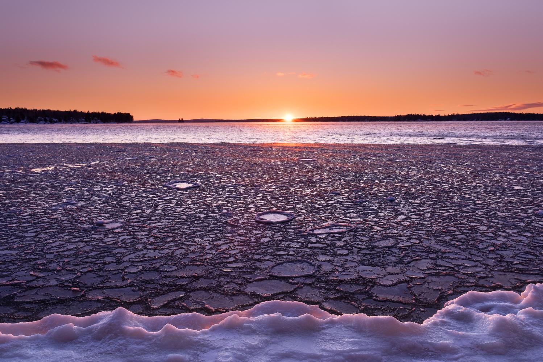 Freezing Lake by MATTHEW BATISTA