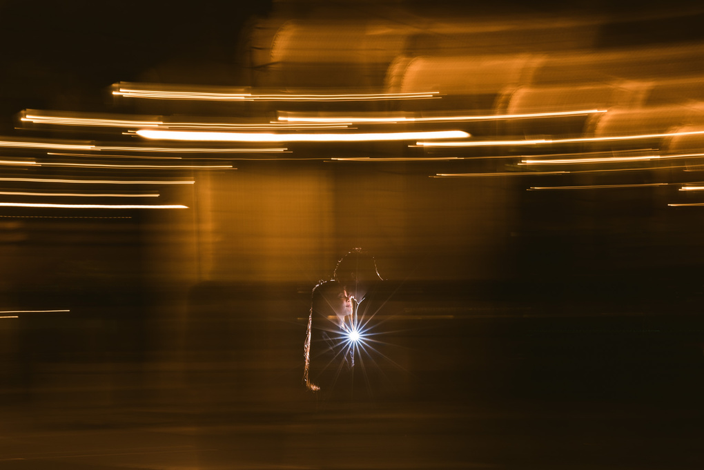 playing with light and movement by Charlie Magrin