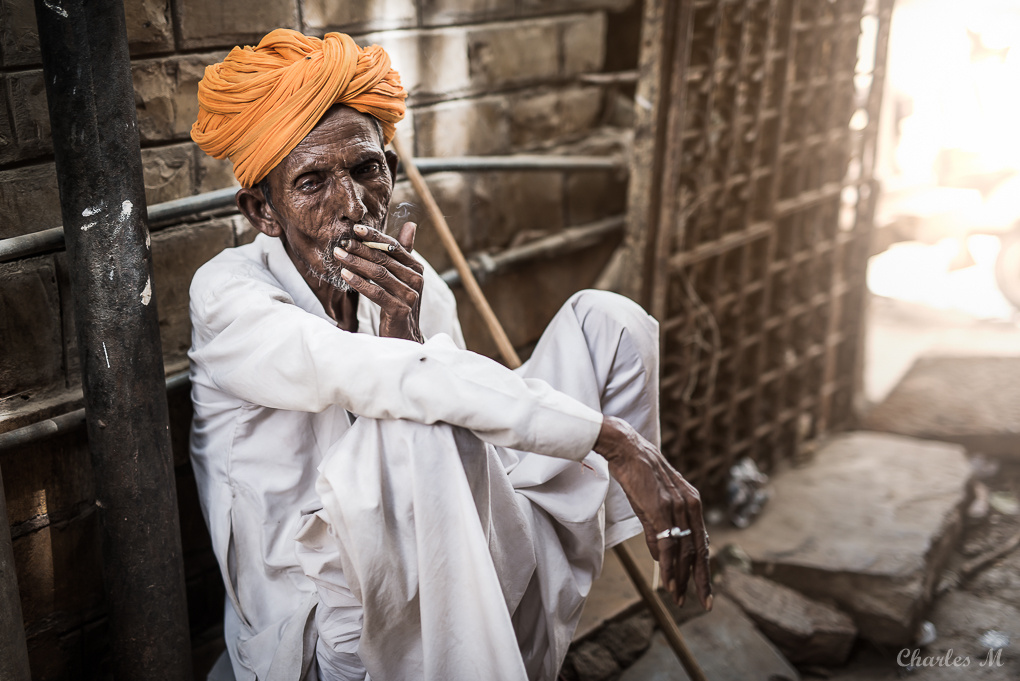 Old man in Jaisalmer by Charlie Magrin