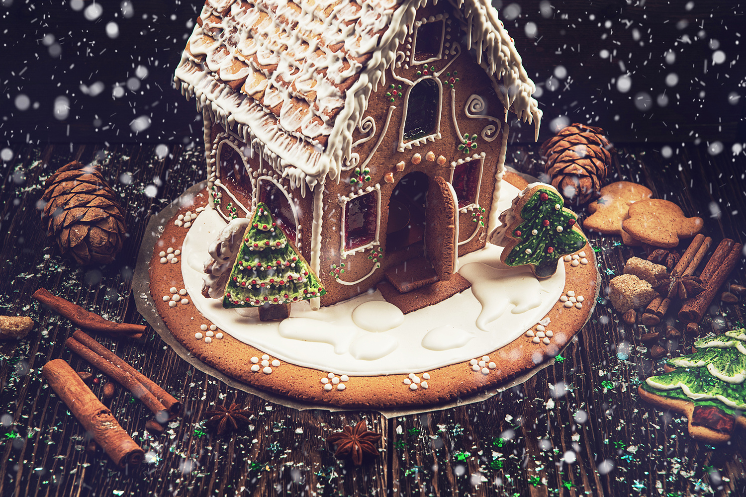 Gingerbread house by Ruslan Olinchuk