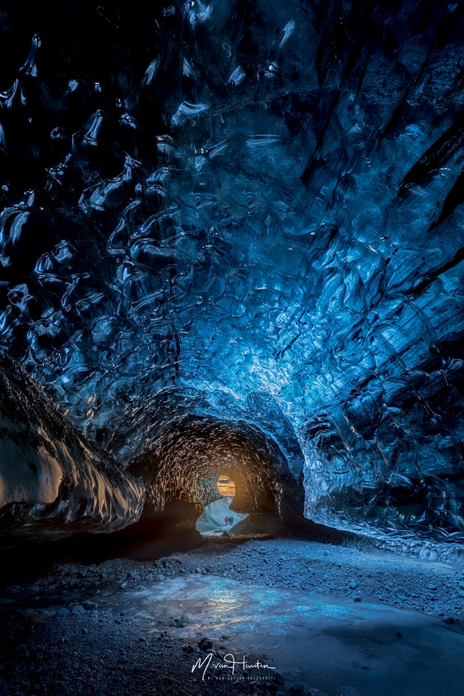 The cave by Markus van Hauten