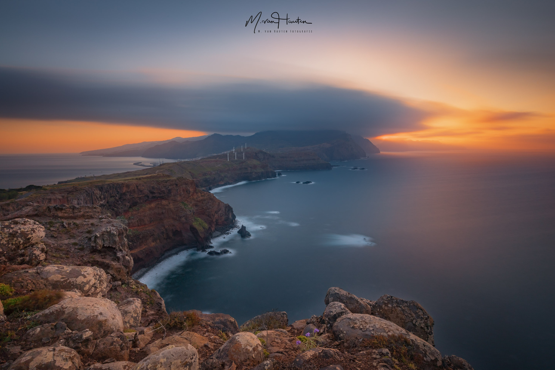 The edge by Markus van Hauten