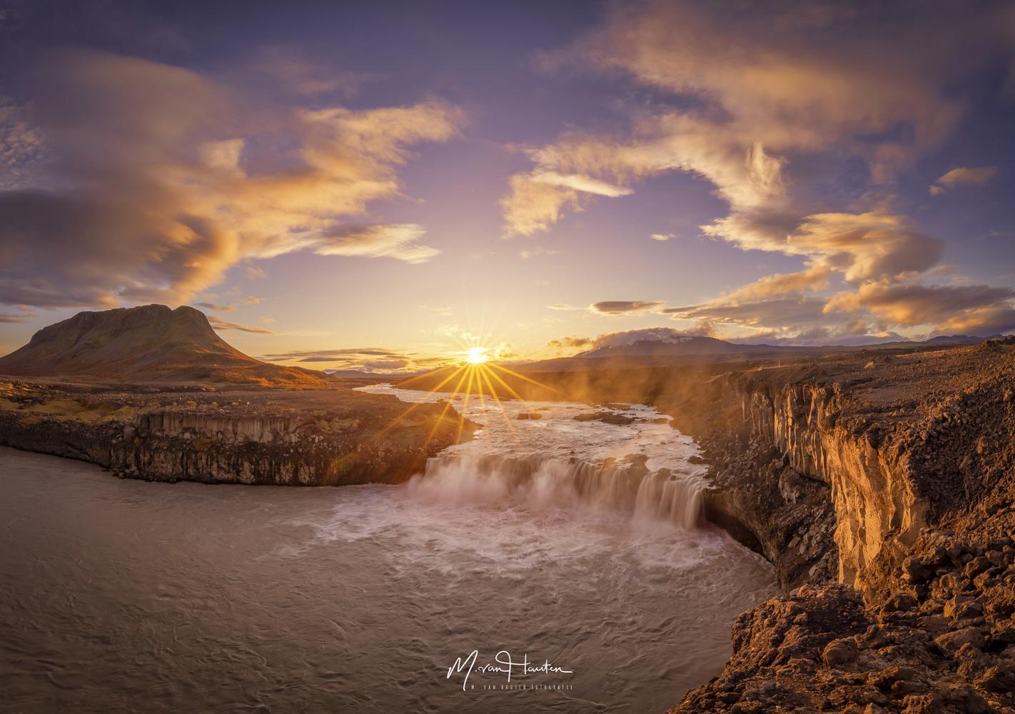 Last sunrise by Markus van Hauten