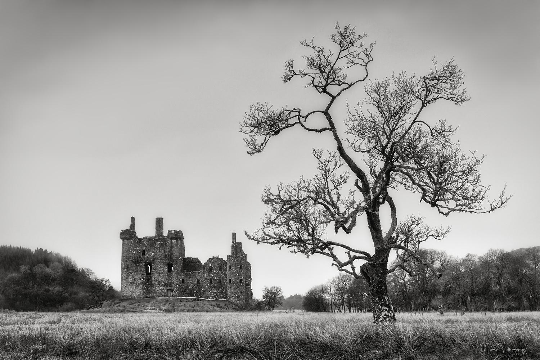 Kilchurn Castle drama by Mario Valkenborg