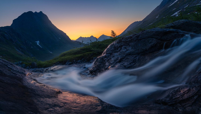 Sunrise by Ole Henrik Skjelstad