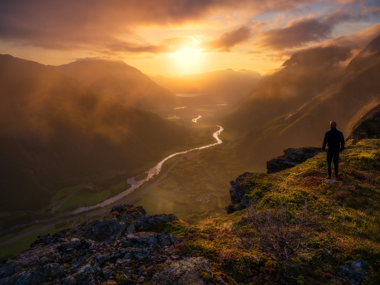Close to the Edge by Ole Henrik Skjelstad