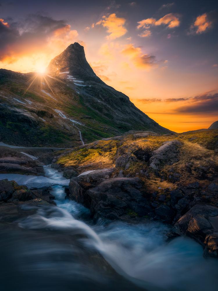 Flow by Ole Henrik Skjelstad