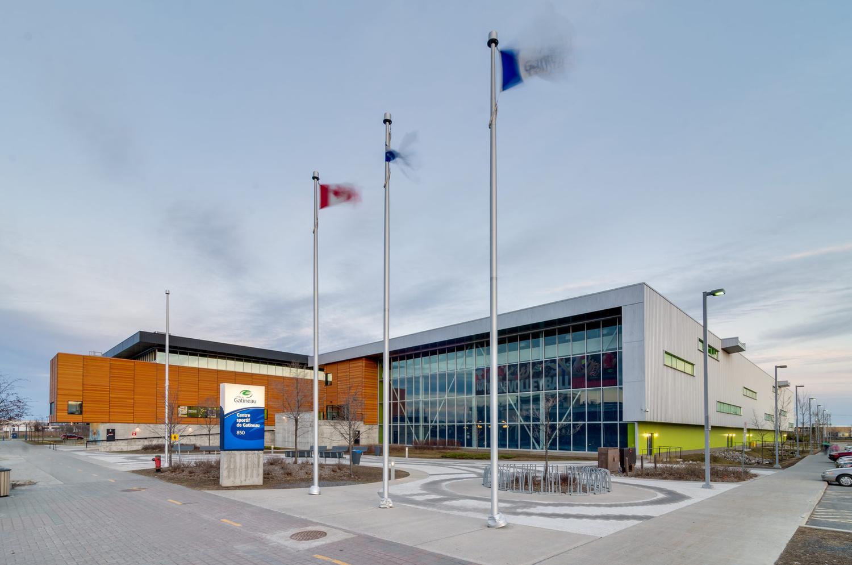 Sport Center by Olivier Charbonneau