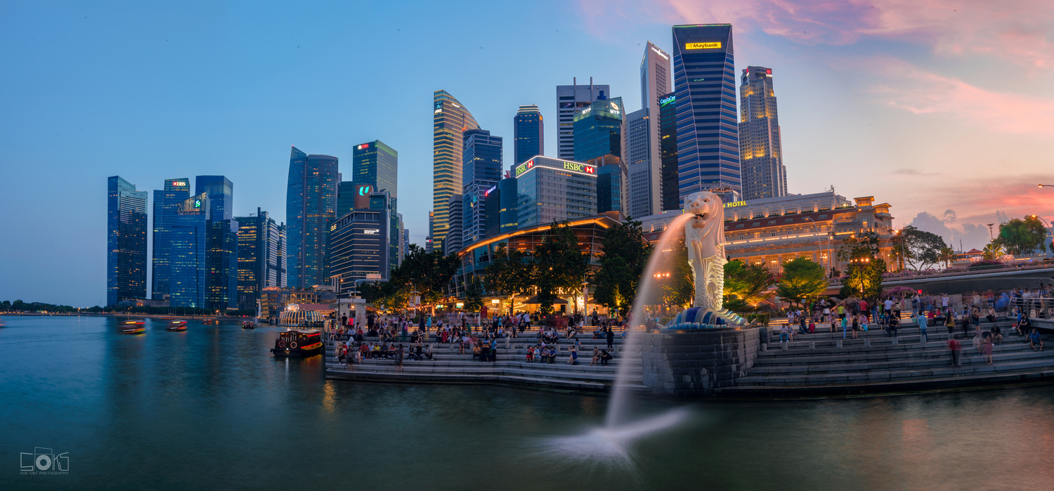 Sunset at Merlion Park by Koe Sint