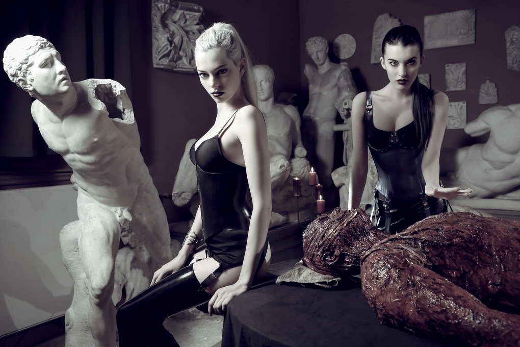 Riona Noire, Sharon Boucquez and Wesley Ludwig by Tim Tronckoe