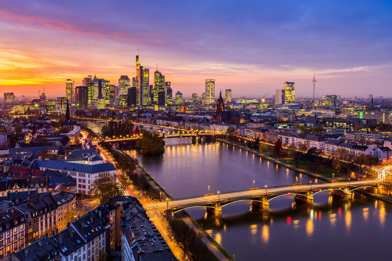 Golden sunset / Frankfurt am Main, Germany by Jeroen Hribar