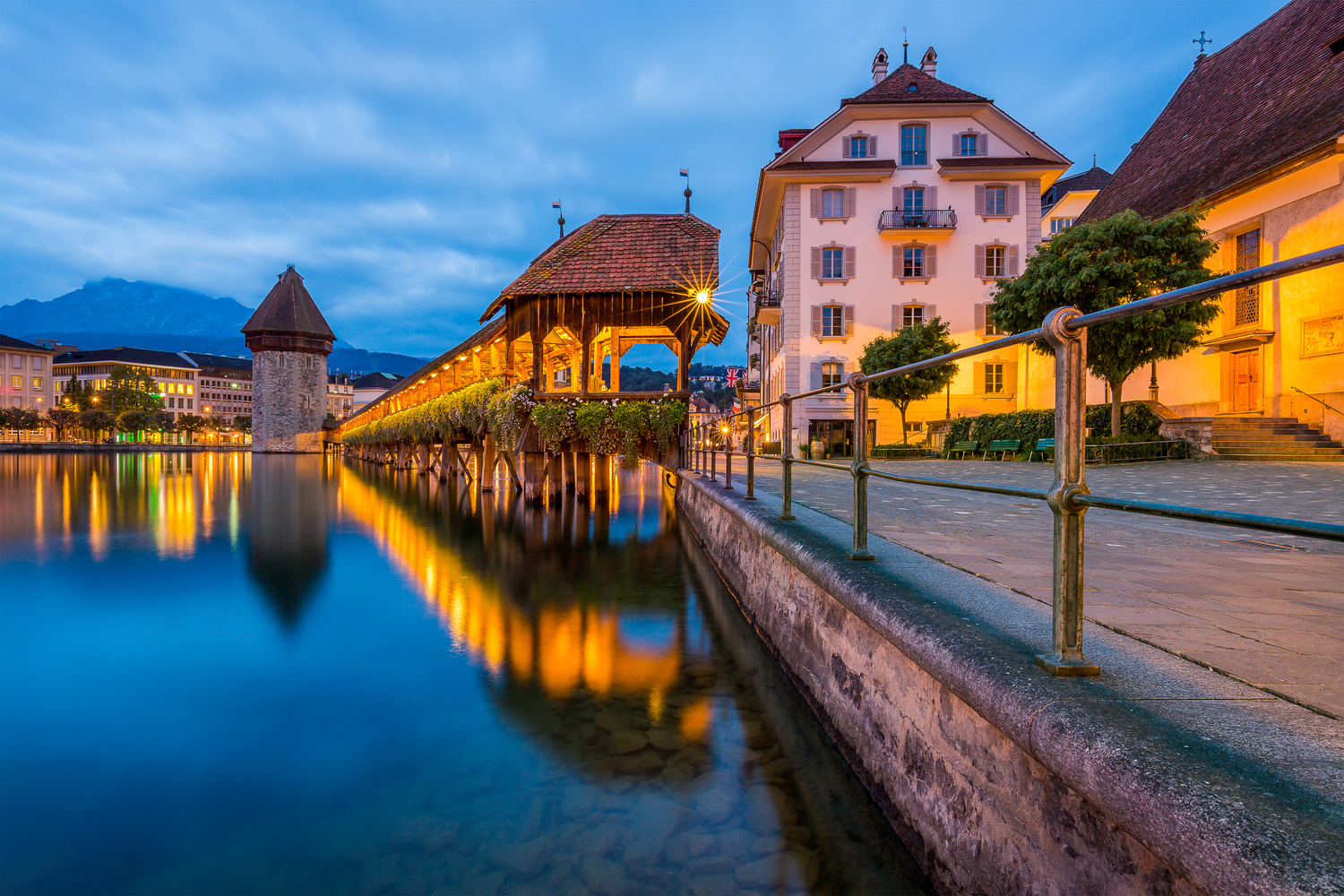 Chapel Bridge / Lucerne, Switzerland by Jeroen Hribar