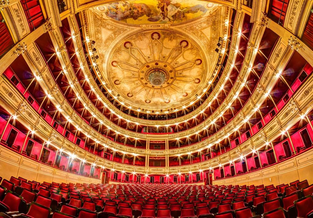 Teatro Solis by Joni Sipilä