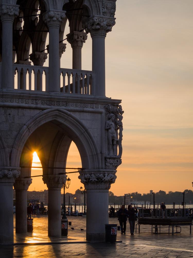 Sunrise in Venezia by Piotr Pogonowski