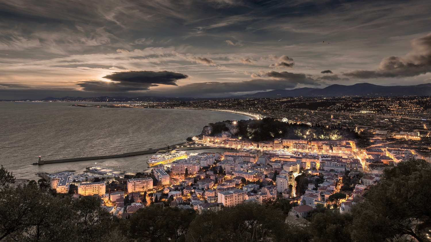The city of Nice (France) by Denis Degioanni