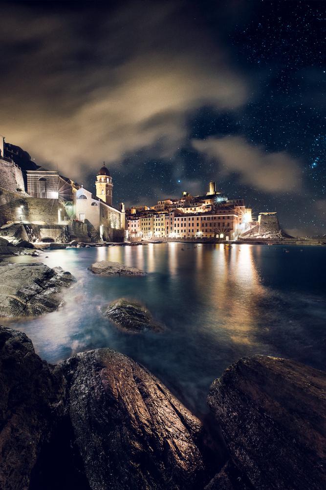Vernazza at night by Denis Degioanni