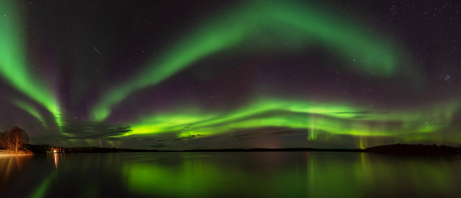 Northern lights Finland by Leon Brouwer