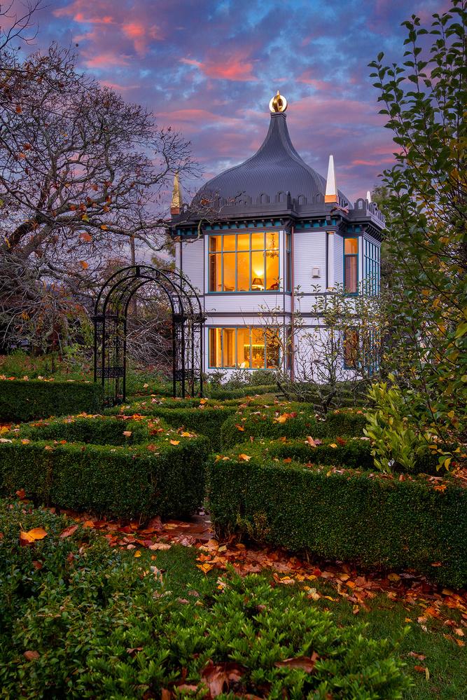 Montacute Pavilion by Donald Yip