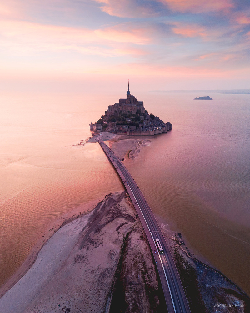 The Magnificent Mont Pt II by Donald Yip