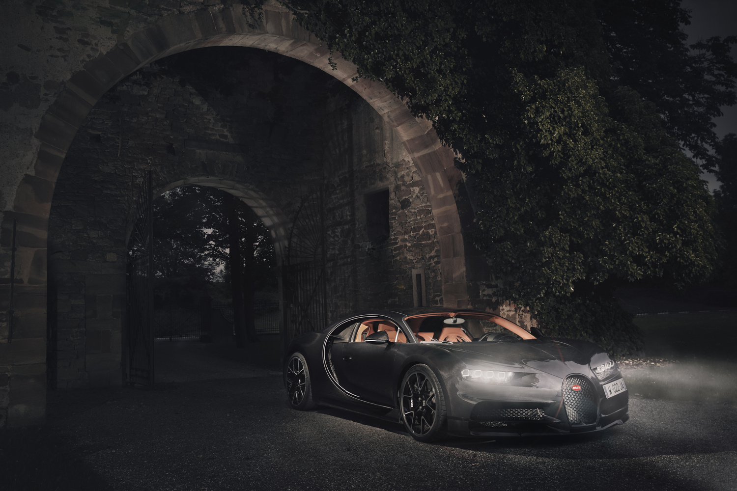 Bugatti Chiron by night by Andrew Hoyle