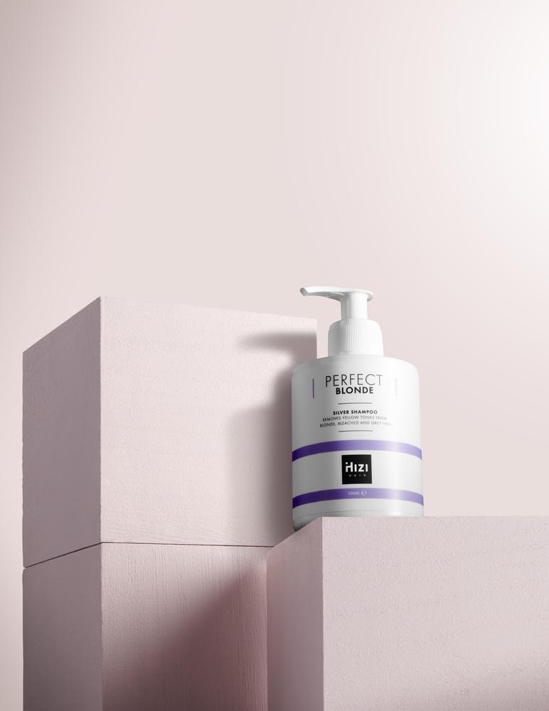 Shampoo product shot for Hizi Hair campaign by Lars Schalkwijk