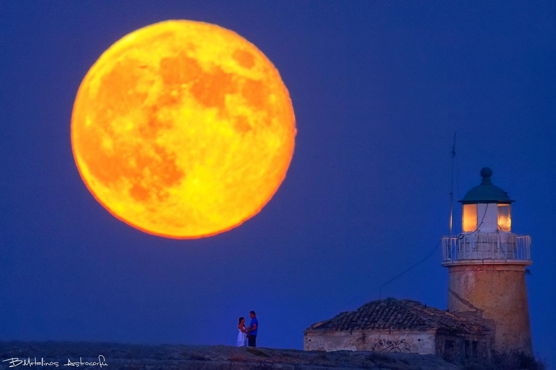 Hoonymoon Lovers, Cavo Isidoro lighthouse, Supermoon by Bill Metallinos
