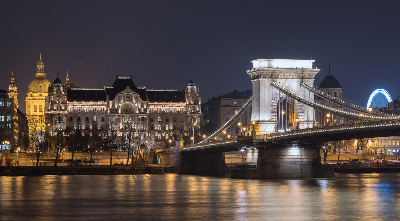 Budapest Chain Bridge by Gabor Szarvas