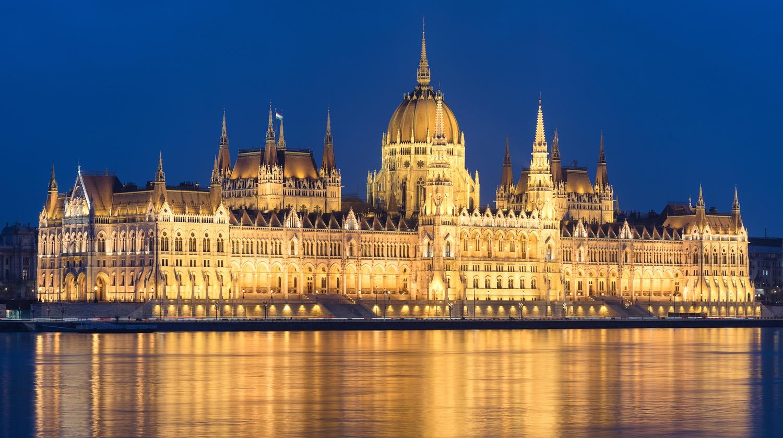Budapest Parliament by Gabor Szarvas