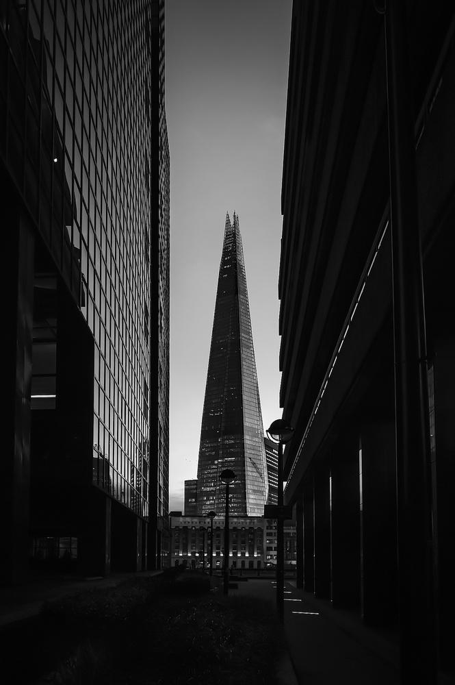 London B&W by Pedro Malheiro