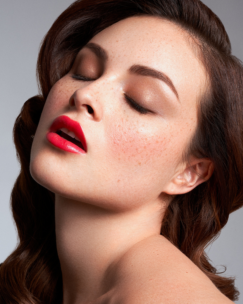 Expensive Glam - Beauty with Nicole (Jessica Rabbit) by Michael Friedman