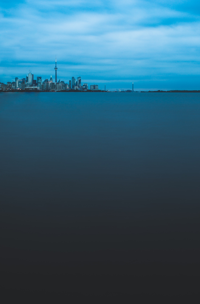 Toronto by Drago Tomianovic