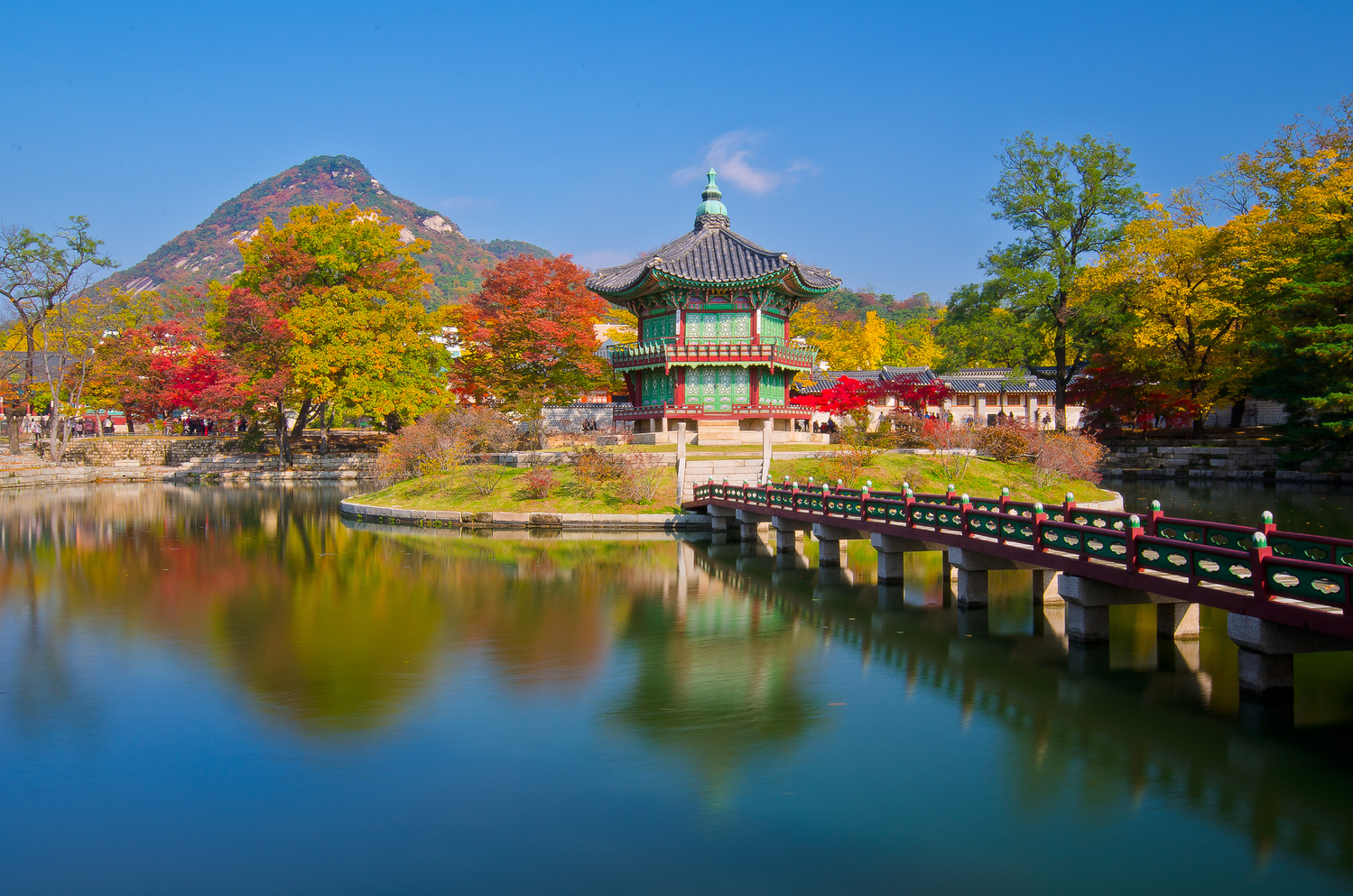 Gyeongbok Palace by Justin Howard