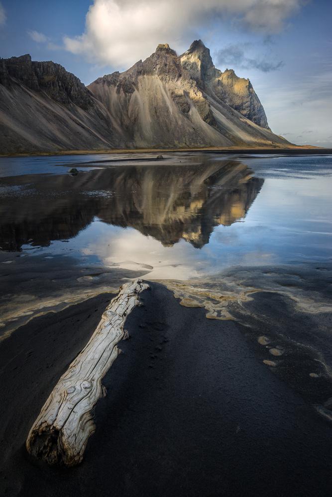 Viking mountain by Lukas Bornheim