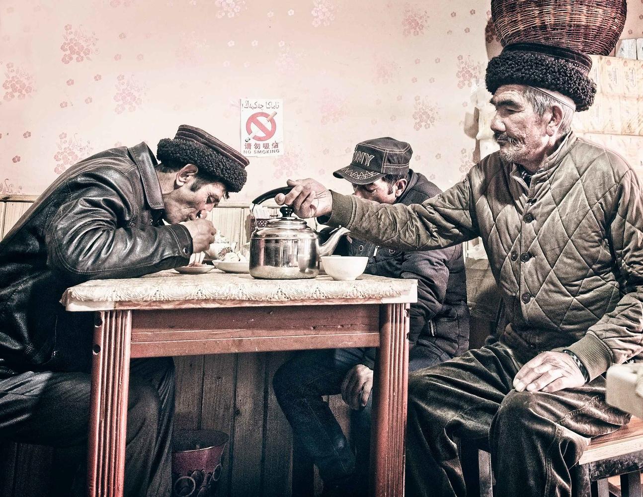 Mountain Tea Time by Ira Jacob