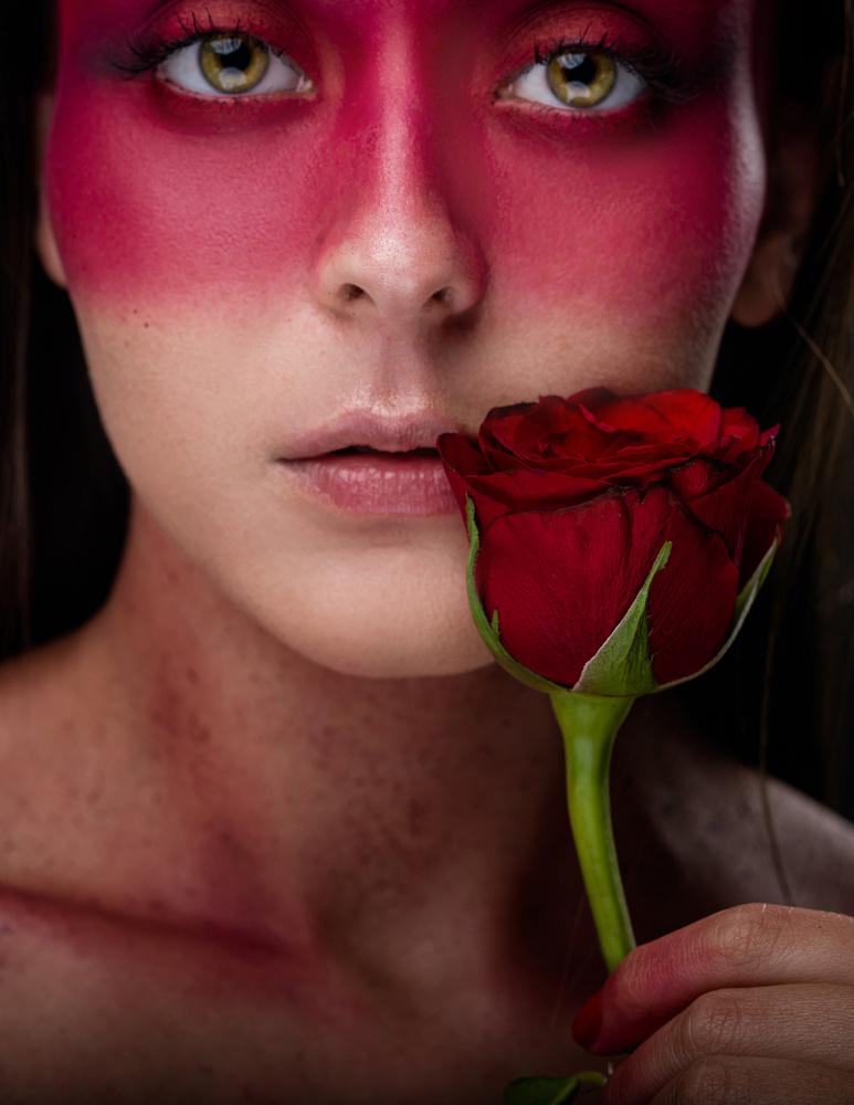 Red by Alejandro Huerta Rosario
