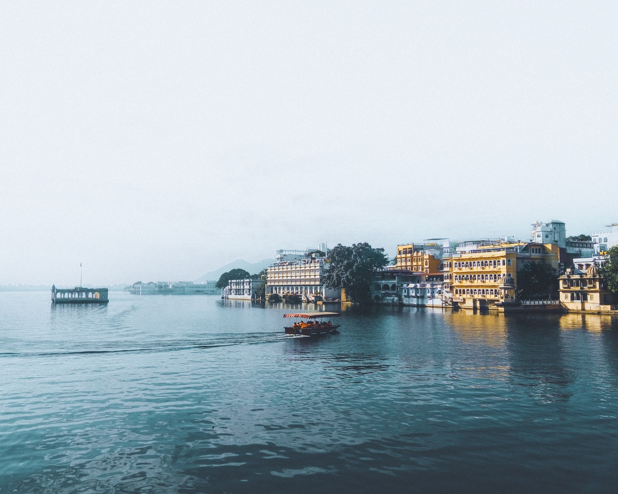 Udaipur : The city of Lakes by Bhupendra Ranawat