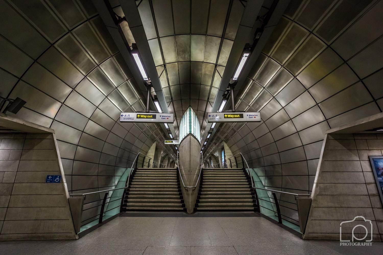 Southwark Underground Station by Lee Pelling