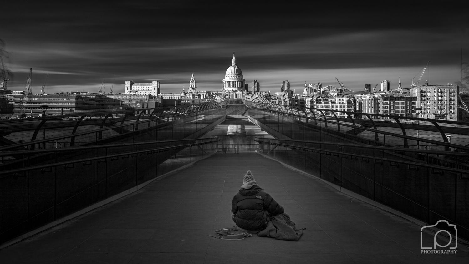 Homeless by Lee Pelling