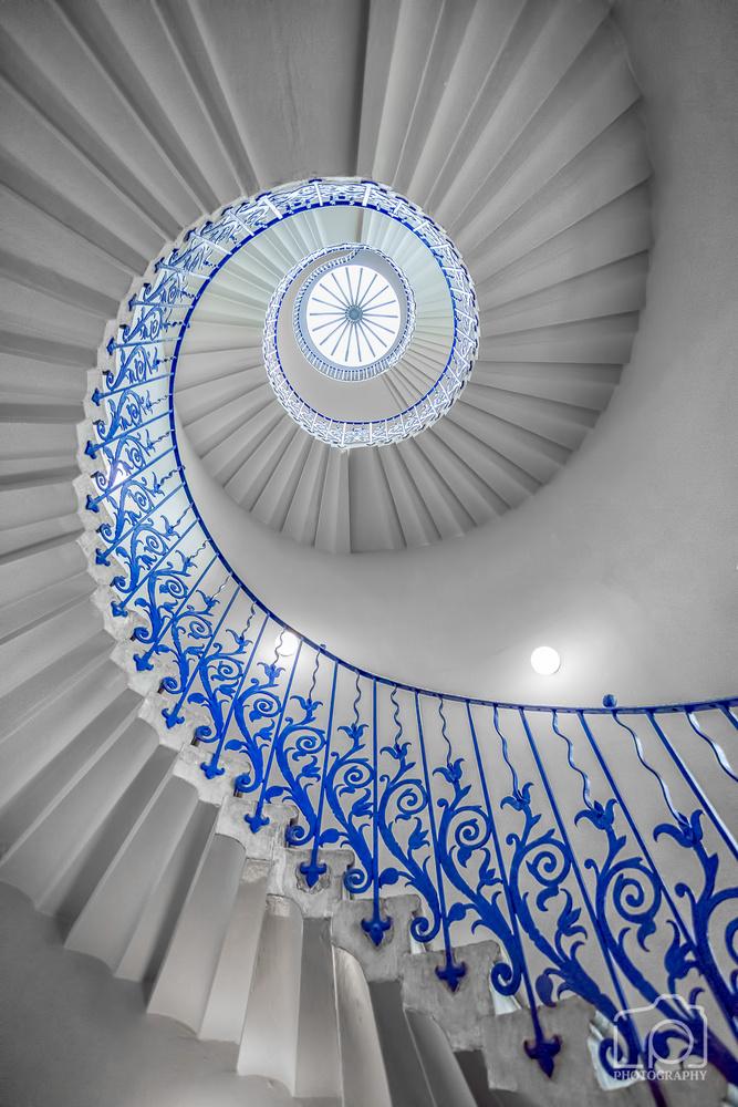 Tulip Staircase by Lee Pelling