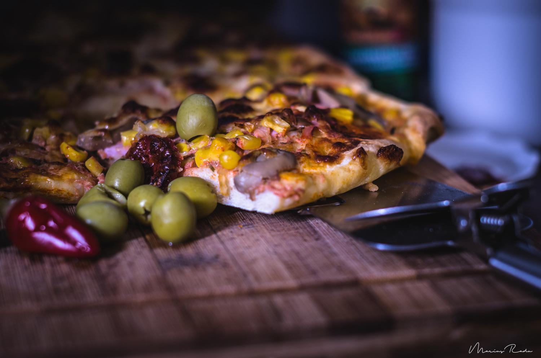 Pizza time by Marius Radu