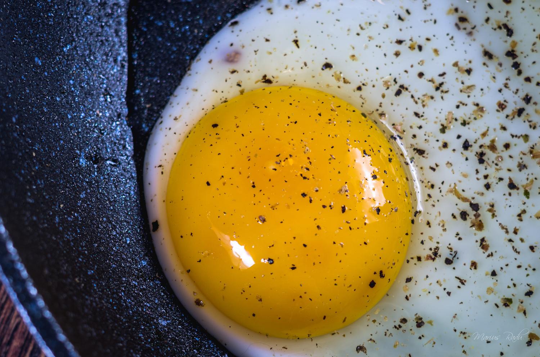 Fried egg by Marius Radu