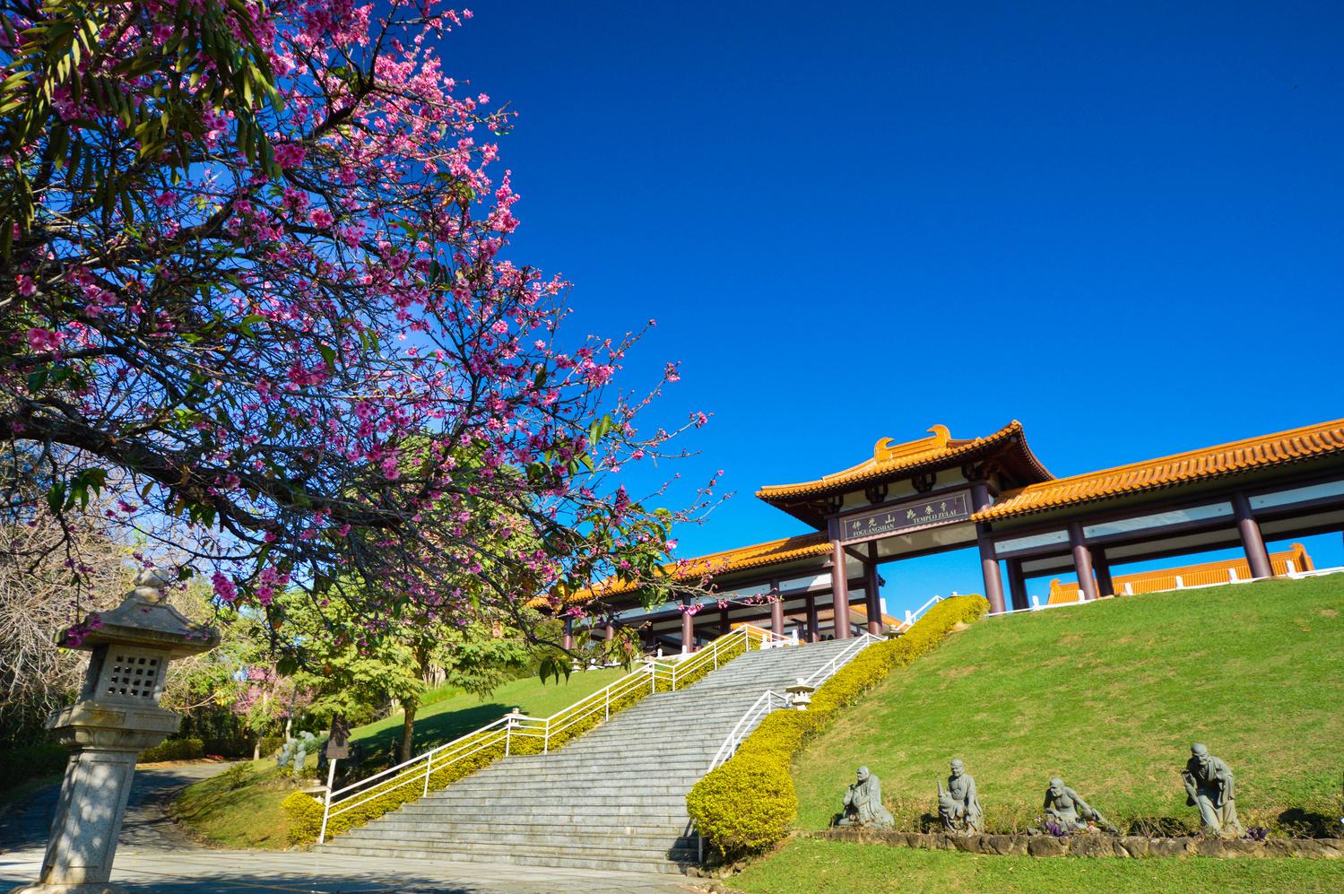 Zu Lai Temple, Cotia, Brazil by Guilherme Checchia