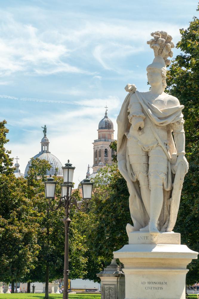 Padova - Italy by Guilherme Checchia