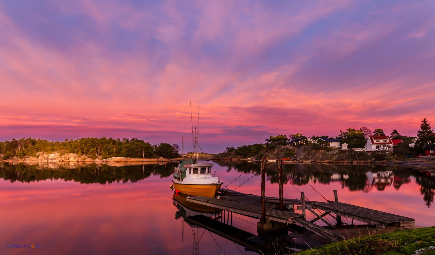 Not your average sunset by Hans Jørgen Lindeløff