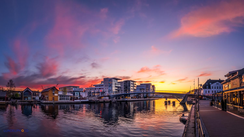 Fredrikstad sunset by Hans Jørgen Lindeløff