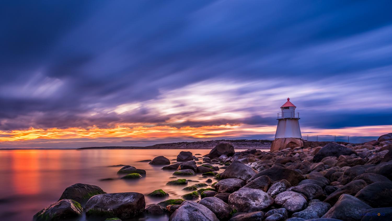 4 minutes at Pikesten Lighthouse by Hans Jørgen Lindeløff